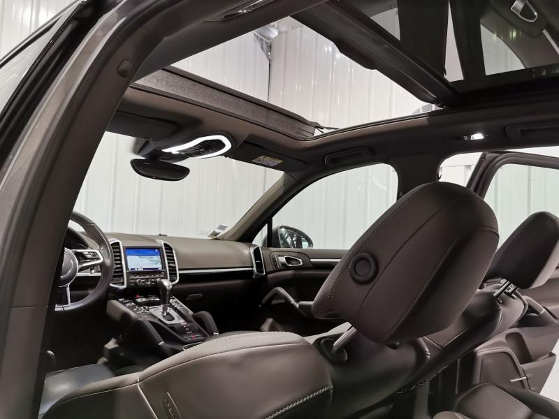 Photo 11 de l'offre de PORSCHE CAYENNE (958) 3.0 416CH S E-HYBRID à 42990€ chez VL Auto