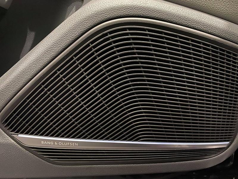 Photo 13 de l'offre de AUDI A4 2.0 TDI 190CH ULTRA DESIGN à 20990€ chez Signature auto