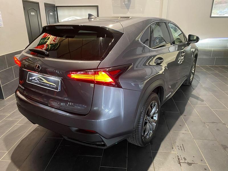 Photo 2 de l'offre de LEXUS NX 300H 4WD F SPORT à 30990€ chez Signature auto