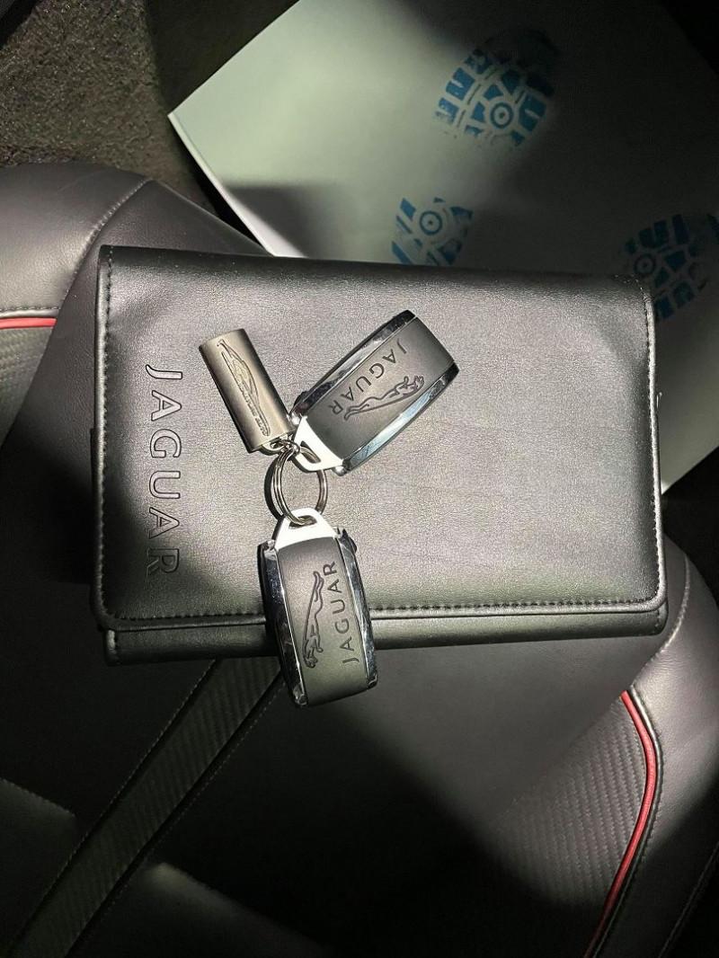 Photo 20 de l'offre de JAGUAR XK COUPE 5.0 V8 R-S à 65990€ chez Signature auto