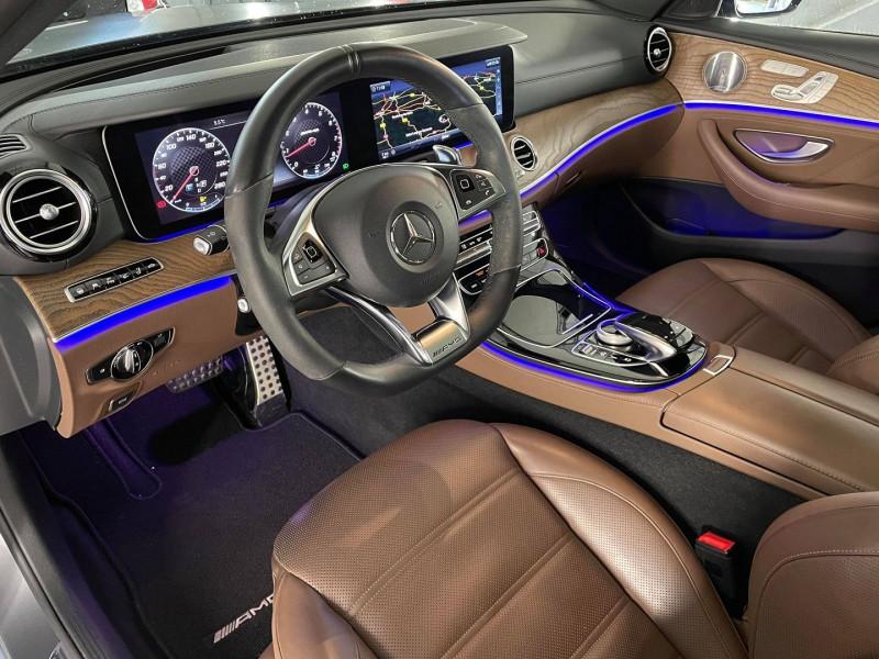 Photo 7 de l'offre de MERCEDES-BENZ CLASSE E BREAK (S213) 43 AMG 401CH 4MATIC 9G-TRONIC à 54990€ chez Signature auto