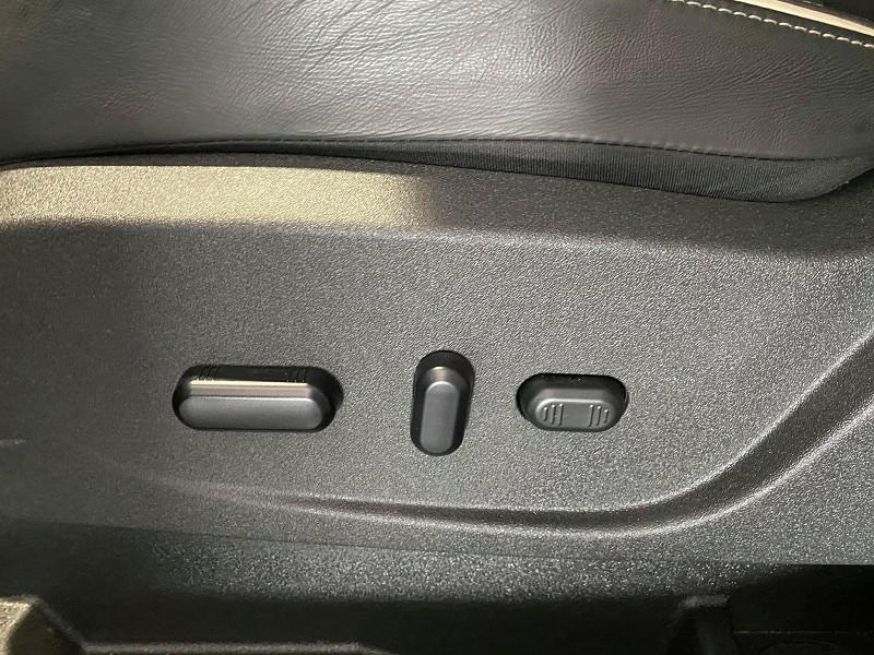 Photo 18 de l'offre de FORD KUGA 2.0 TDCI 180CH STOP&START VIGNALE 4X4 POWERSHIFT à 28990€ chez Signature auto