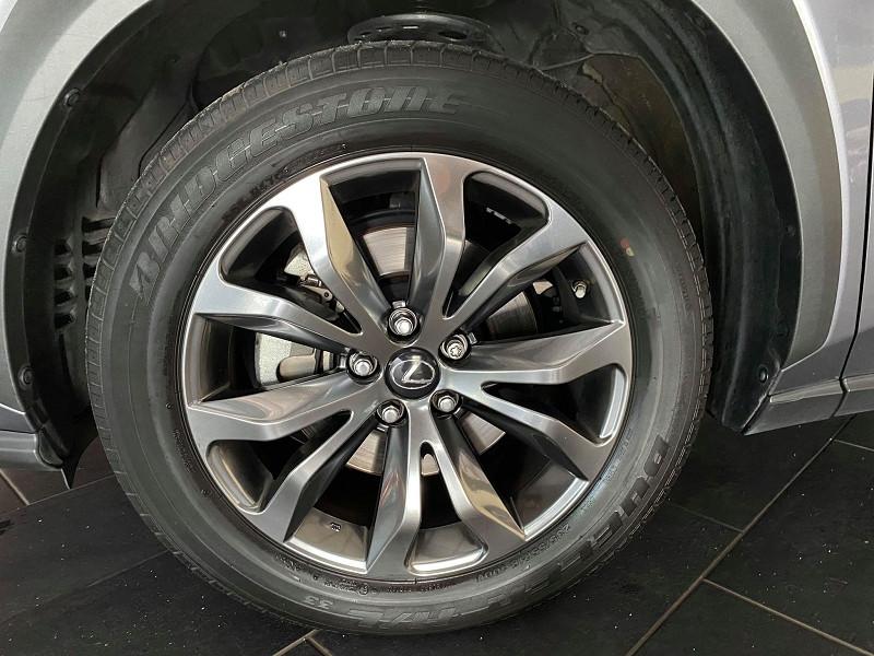 Photo 3 de l'offre de LEXUS NX 300H 4WD F SPORT à 30990€ chez Signature auto