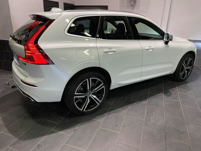 Photo 2 de l'offre de VOLVO XC60 T8 TWIN ENGINE 303 + 87CH R-DESIGN GEARTRONIC à 52990€ chez Signature auto