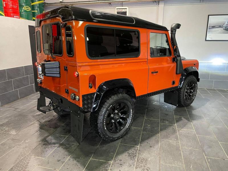 Photo 2 de l'offre de LAND-ROVER DEFENDER SW 90 2.4 TD S à 37990€ chez Signature auto