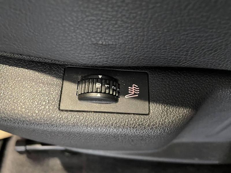 Photo 14 de l'offre de PEUGEOT 3008 1.6 THP 16V 165CH FELINE S&S EAT6 à 15990€ chez Signature auto