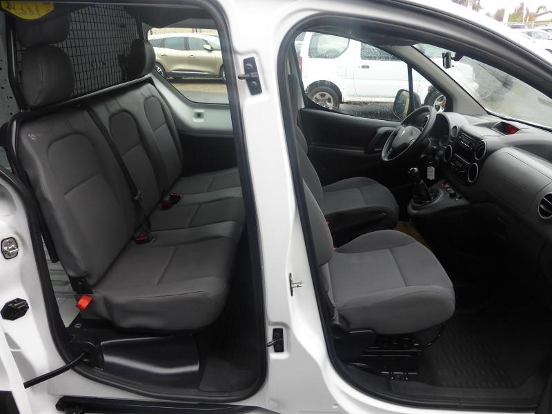 Photo 2 de l'offre de PEUGEOT PARTNER 121 L2 1.6 HDI 90 CABINE APPROFONDIE CONFORT à 11900€ chez Parc auto albigeois