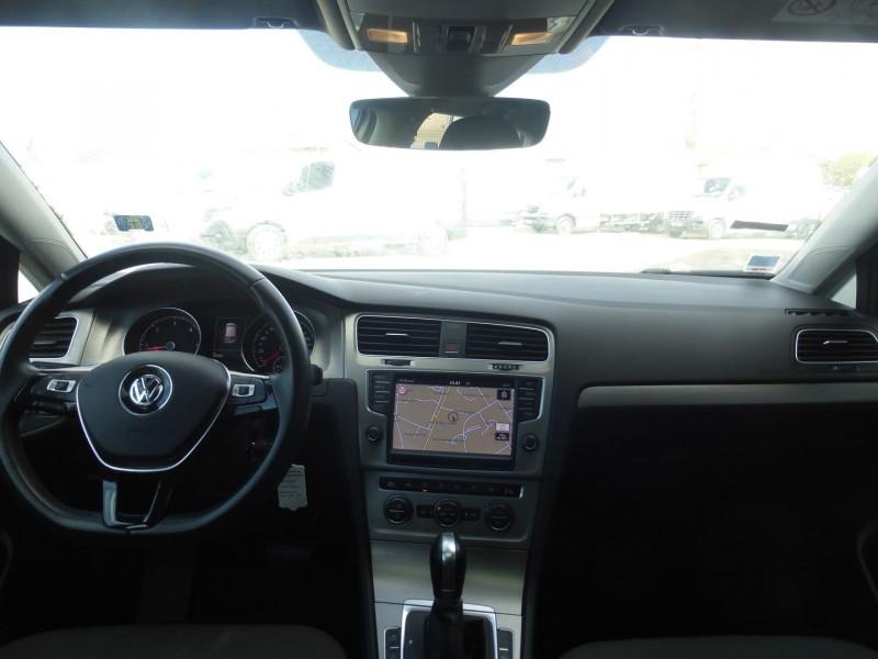 Photo 5 de l'offre de VOLKSWAGEN GOLF VII 1.6 TDI 110CH BLUEMOTION TECHNOLOGY FAP CONFORTLINE BUSINESS DSG7 5P à 16490€ chez Parc auto albigeois