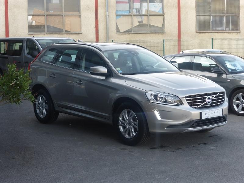 Photo 2 de l'offre de VOLVO XC60 D4 190CH MOMENTUM BUSINESS GEARTRONIC à 21990€ chez Parc auto albigeois