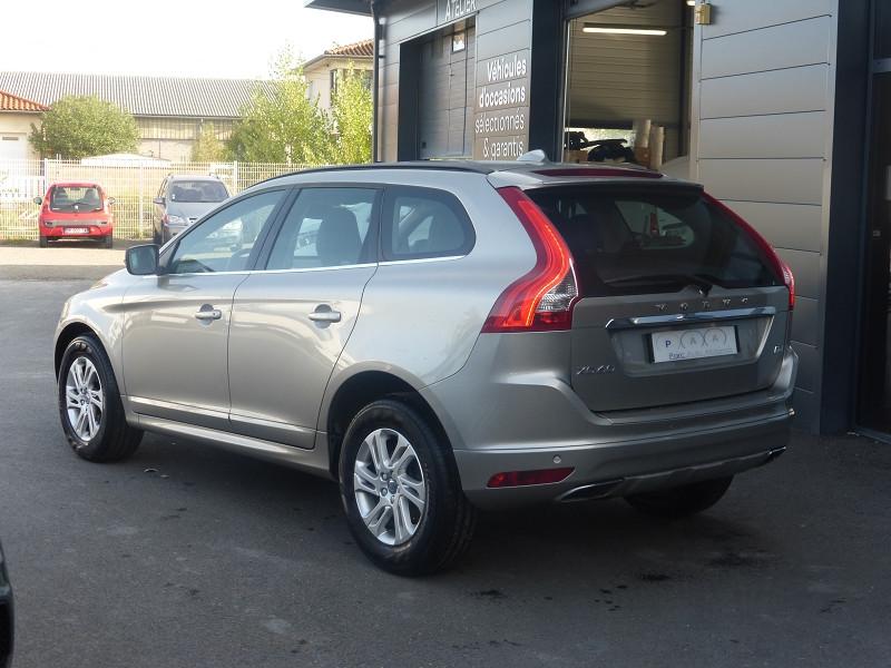 Photo 4 de l'offre de VOLVO XC60 D4 190CH MOMENTUM BUSINESS GEARTRONIC à 21990€ chez Parc auto albigeois