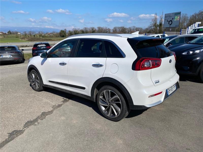 Photo 3 de l'offre de KIA NIRO HYBRID 1.6 GDI 105 CH + ELECTRIQUE 43.5 CH DCT6 à 15900€ chez Jacquet Automobiles
