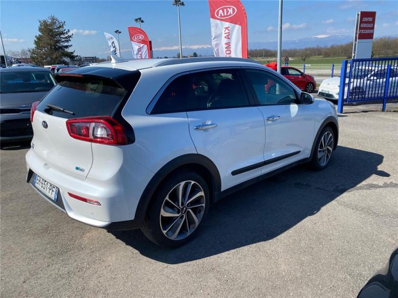 Photo 4 de l'offre de KIA NIRO HYBRID 1.6 GDI 105 CH + ELECTRIQUE 43.5 CH DCT6 à 15900€ chez Jacquet Automobiles