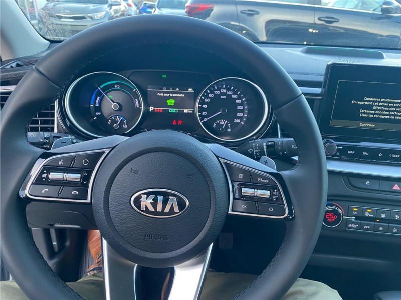 Photo 6 de l'offre de KIA CEED SW HYBRIDE RECHARGEABLE CEED SW 1.6 GDi 105 ch ISG/ Electrique 60.5ch DCT6 à 31900€ chez Jacquet Automobiles