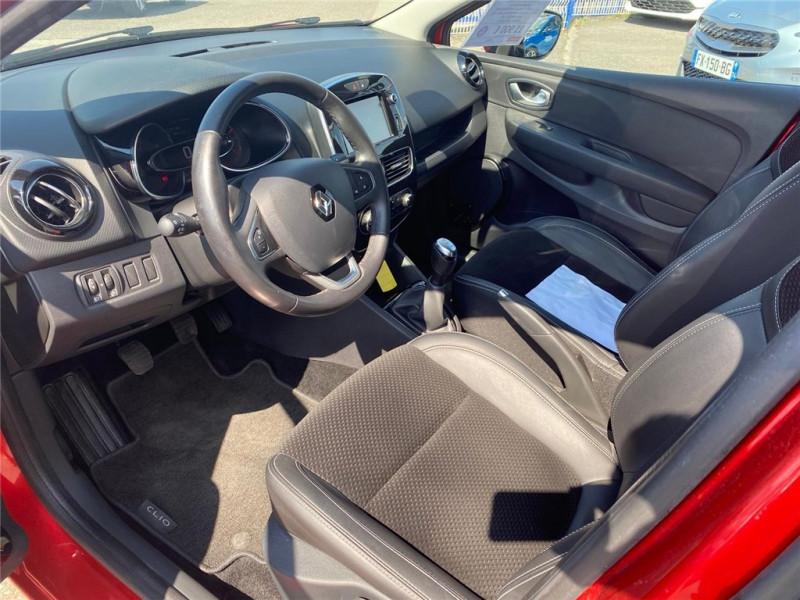 Photo 5 de l'offre de RENAULT CLIO IV TCE 90 à 11900€ chez Jacquet Automobiles