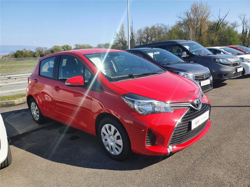 Toyota YARIS 69 VVT-I Essence sans plomb Rouge, Métallisé, N/A Occasion à vendre