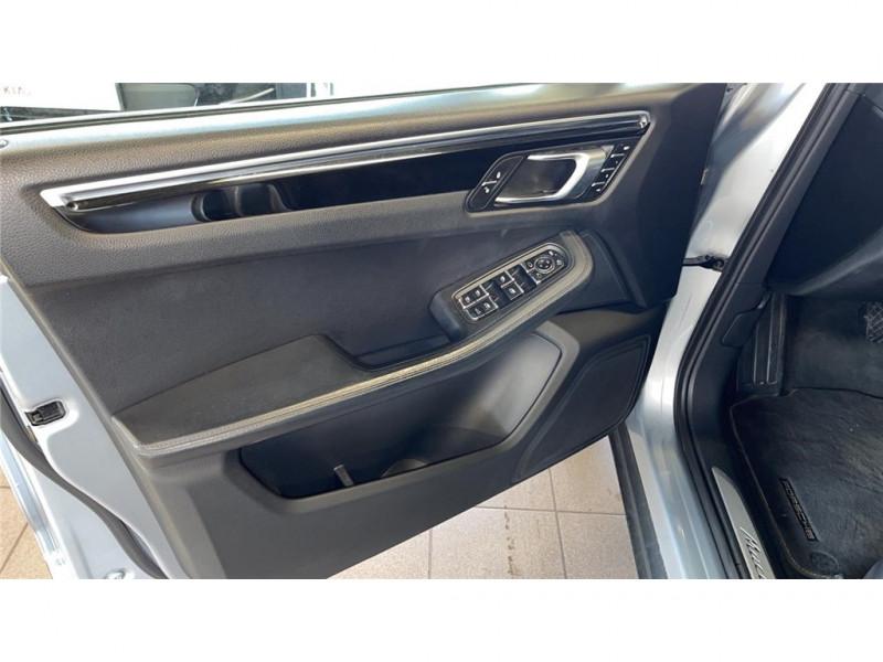 Photo 13 de l'offre de PORSCHE MACAN DIESEL 3.0 V6 258 CH à 39900€ chez Jacquet Automobiles