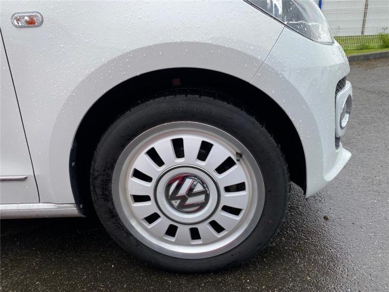Photo 6 de l'offre de VOLKSWAGEN UP 1.0 60 à 6900€ chez Jacquet Automobiles