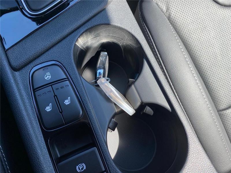 Photo 8 de l'offre de KIA NIRO HYBRID 1.6 GDI 105 CH + ELECTRIQUE 43.5 CH DCT6 à 30900€ chez Jacquet Automobiles