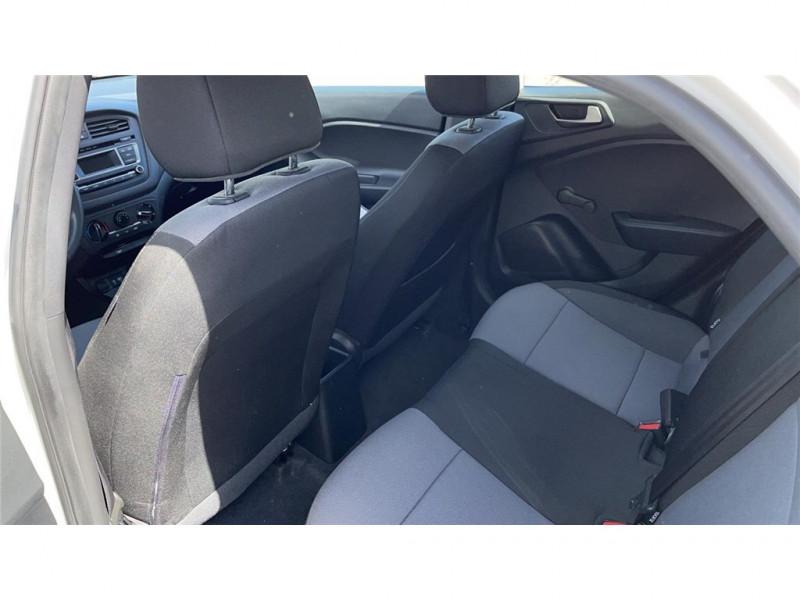 Photo 6 de l'offre de HYUNDAI i20 1.2 75 à 8900€ chez Jacquet Automobiles
