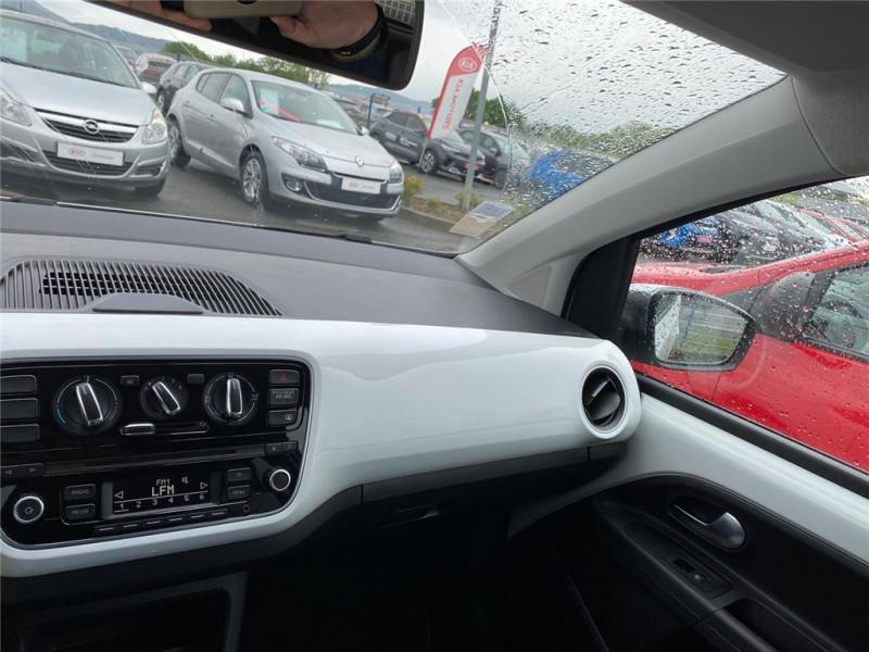 Photo 13 de l'offre de VOLKSWAGEN UP 1.0 60 à 6900€ chez Jacquet Automobiles
