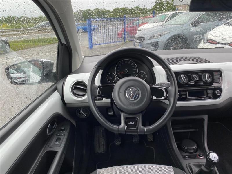 Photo 11 de l'offre de VOLKSWAGEN UP 1.0 60 à 6900€ chez Jacquet Automobiles