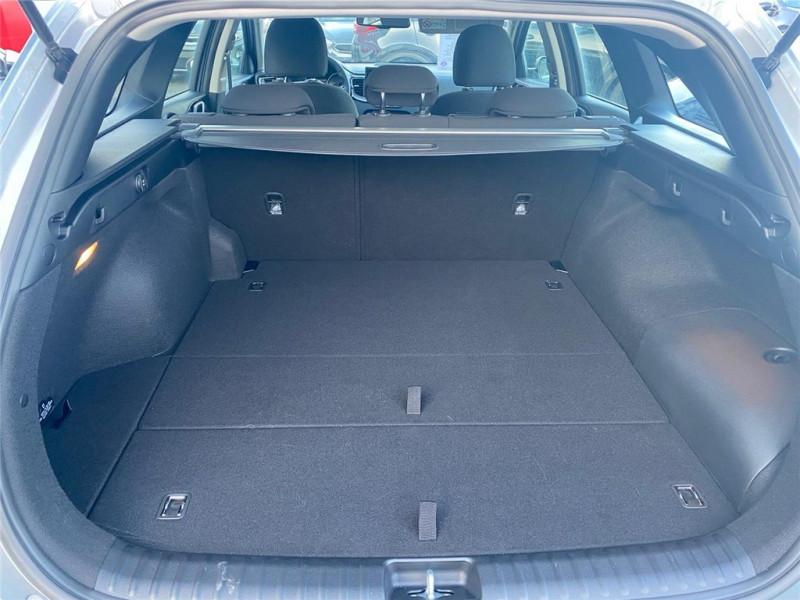 Photo 7 de l'offre de KIA CEED SW HYBRIDE RECHARGEABLE CEED SW 1.6 GDi 105 ch ISG/ Electrique 60.5ch DCT6 à 31900€ chez Jacquet Automobiles