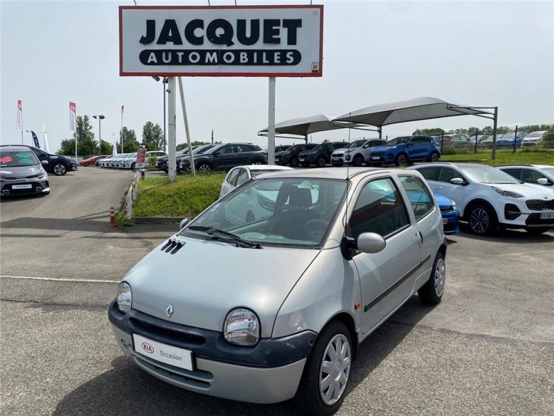 Photo 1 de l'offre de RENAULT TWINGO 1.2I à 3900€ chez Jacquet Automobiles
