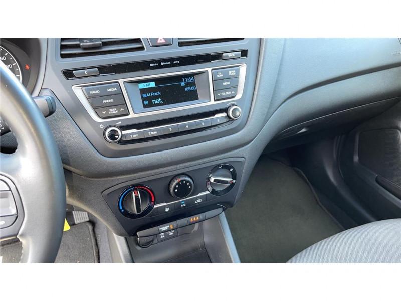 Photo 9 de l'offre de HYUNDAI i20 1.2 75 à 8900€ chez Jacquet Automobiles