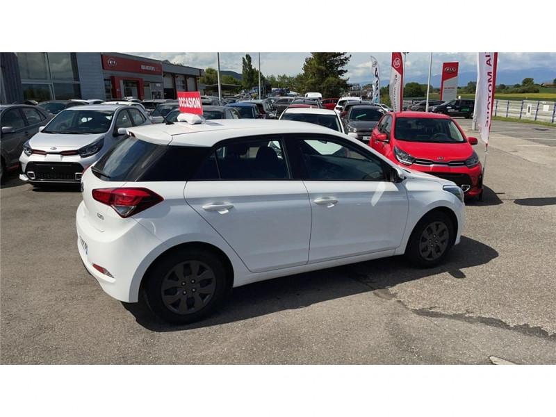 Photo 3 de l'offre de HYUNDAI i20 1.2 75 à 8900€ chez Jacquet Automobiles