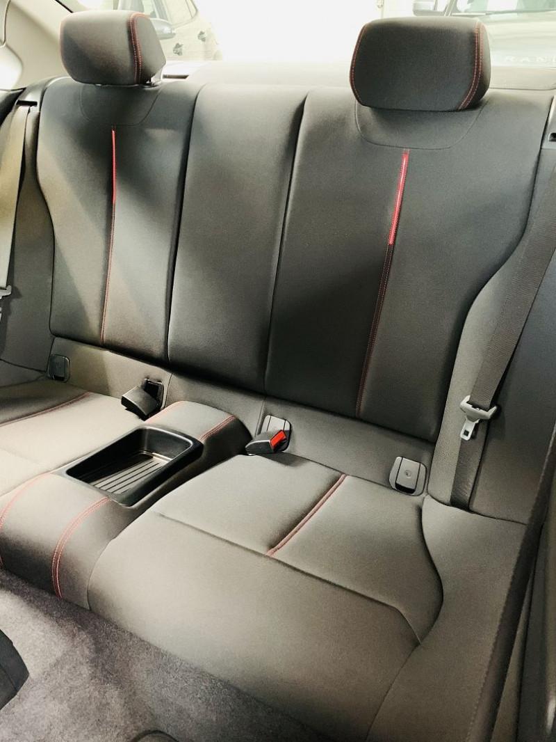 Photo 9 de l'offre de BMW SERIE 2 COUPE (F22) 218DA 150CH SPORT à 18490€ chez Occasions Champenoises