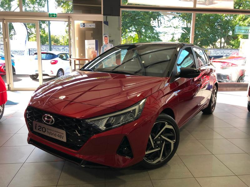 Hyundai i20 1.0 T-GDi 100ch Creative Hybrid Essence DRAGON RED/PHANTOM BLACK WR4 Neuf à vendre