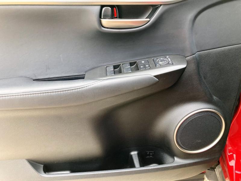 Photo 8 de l'offre de LEXUS NX 300H 4WD LUXE à 29900€ chez Villeneuve Auto