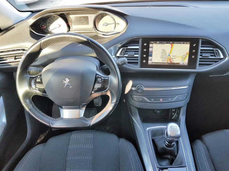 Photo 2 de l'offre de PEUGEOT 308 1.6 BLUEHDI 120CH ALLURE S&S 5P à 13900€ chez Villeneuve Auto