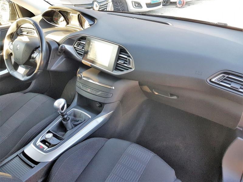 Photo 9 de l'offre de PEUGEOT 308 1.6 BLUEHDI 120CH ALLURE S&S 5P à 13900€ chez Villeneuve Auto