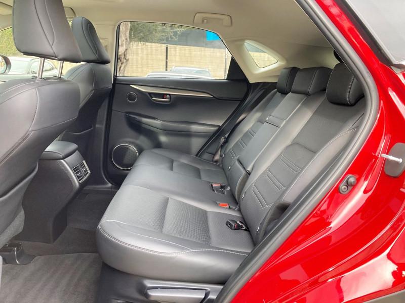 Photo 10 de l'offre de LEXUS NX 300H 4WD LUXE à 29900€ chez Villeneuve Auto