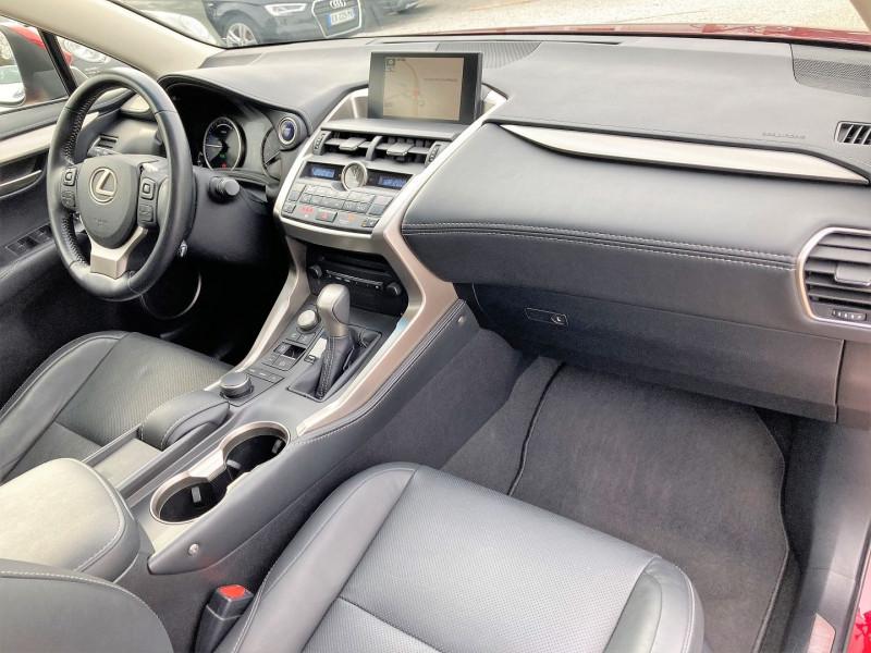 Photo 12 de l'offre de LEXUS NX 300H 4WD LUXE à 29900€ chez Villeneuve Auto