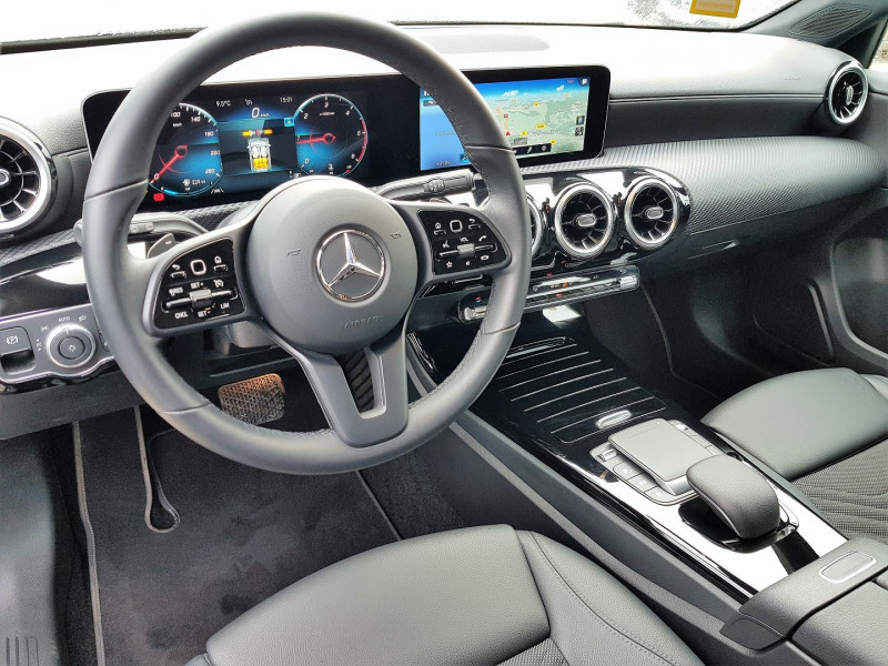 Photo 4 de l'offre de MERCEDES-BENZ CLASSE A BERLINE 180 D 116CH BUSINESS LINE 7G-DCT à 26900€ chez Villeneuve Auto