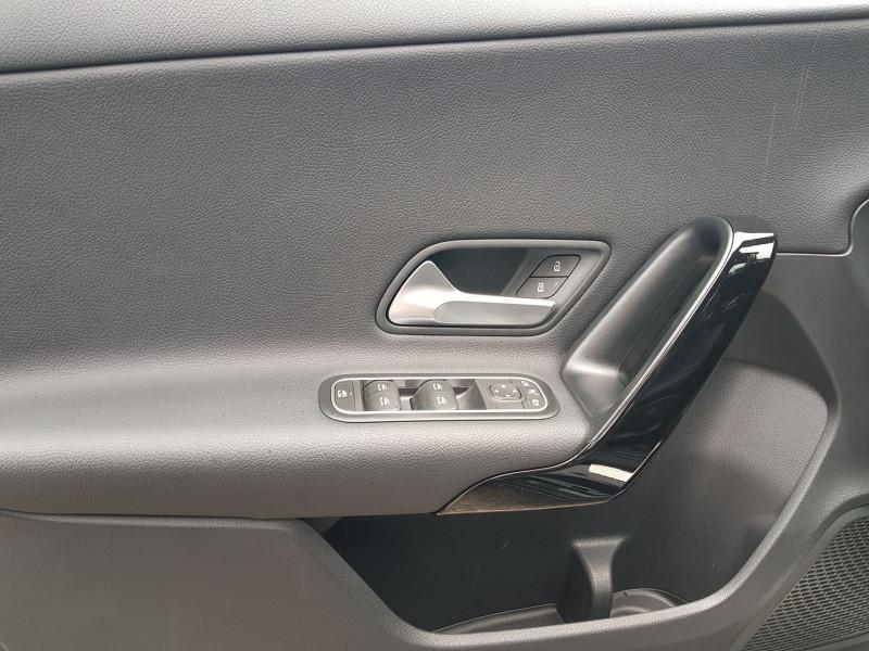 Photo 3 de l'offre de MERCEDES-BENZ CLASSE A BERLINE 180 D 116CH BUSINESS LINE 7G-DCT à 26900€ chez Villeneuve Auto