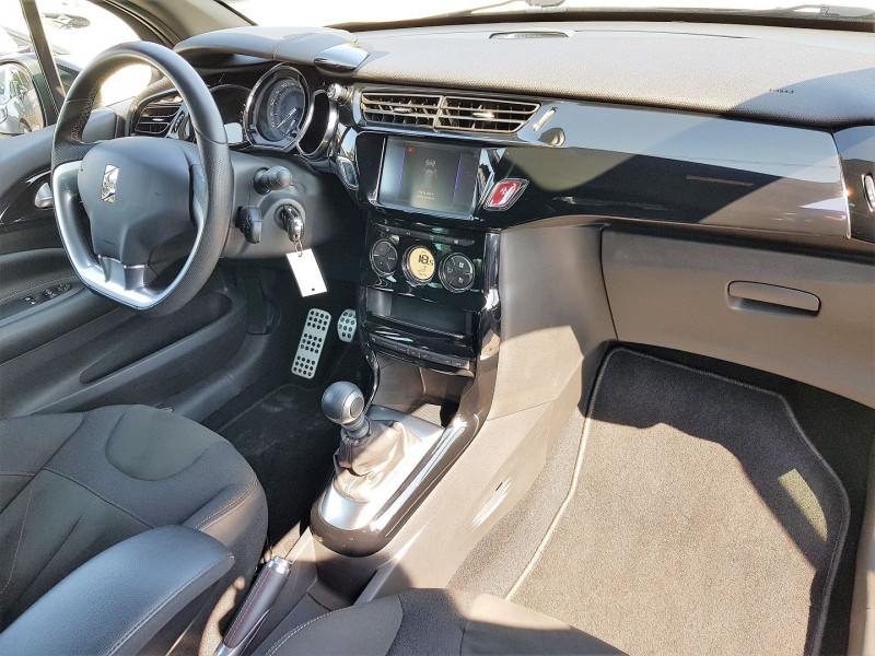 Photo 6 de l'offre de DS DS 3 PURETECH 130CH PERFORMANCE LINE S&S à 15390€ chez Villeneuve Auto