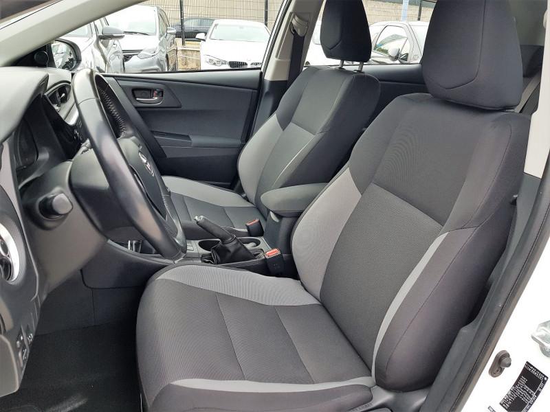 Photo 4 de l'offre de TOYOTA AURIS 100 VVT-I TENDANCE à 10690€ chez Villeneuve Auto
