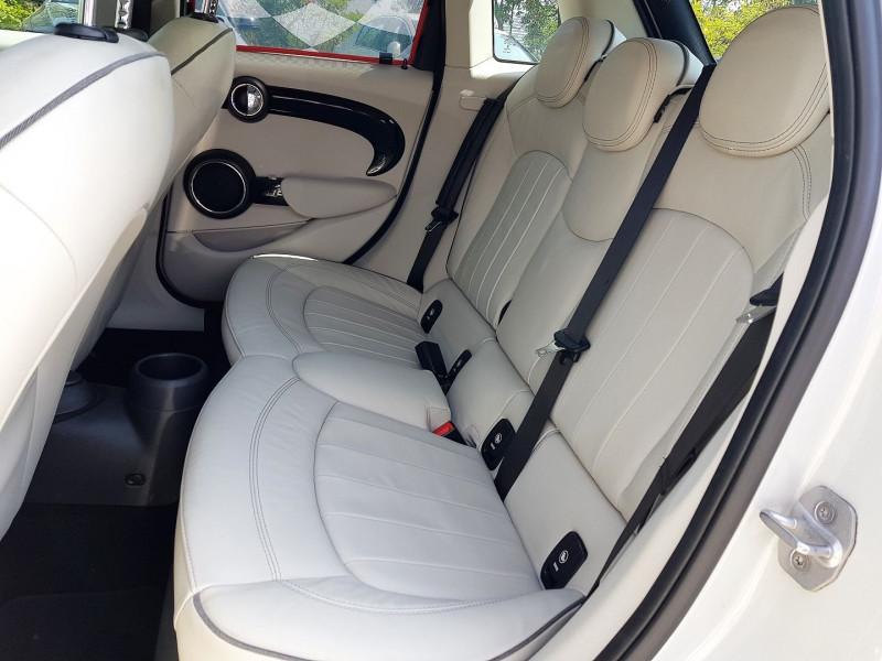 Photo 6 de l'offre de MINI MINI 5 PORTES COOPER S 192CH EXQUISITE II BVA à 22450€ chez Villeneuve Auto