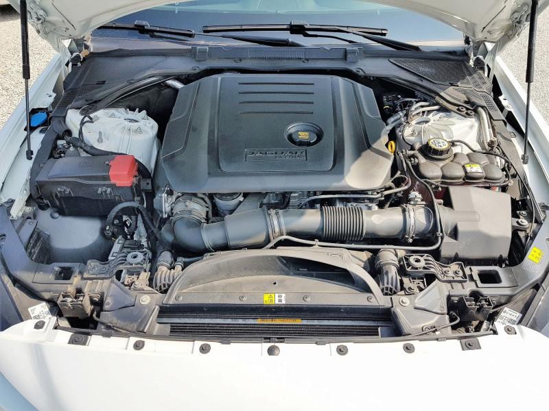 Photo 14 de l'offre de JAGUAR XE 2.0D 180CH PRESTIGE AWD BVA8 à 21900€ chez Villeneuve Auto