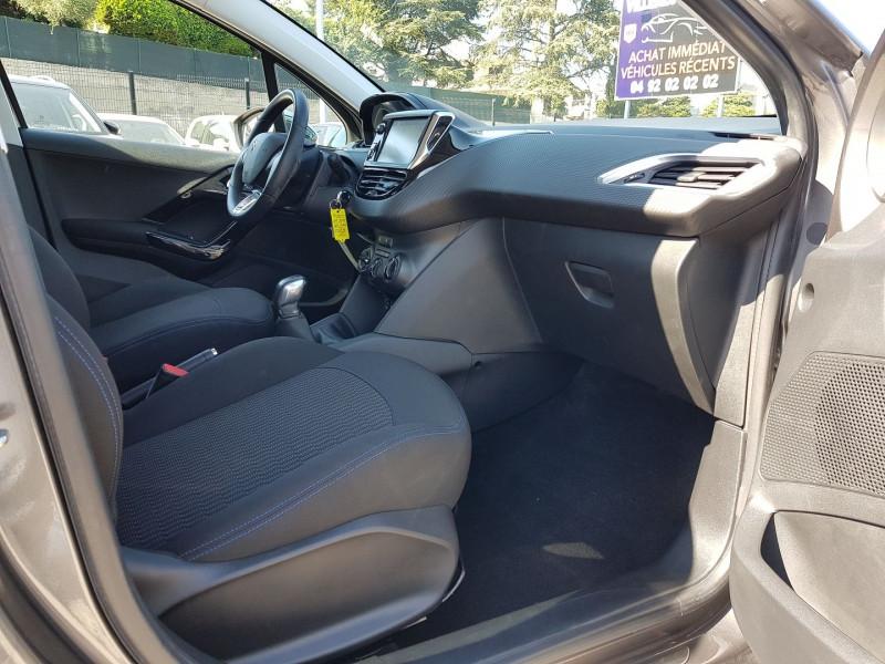 Photo 9 de l'offre de PEUGEOT 208 1.2 PURETECH 82CH STYLE 5P à 11700€ chez Villeneuve Auto