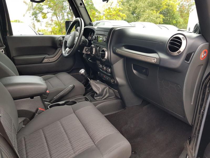 Photo 6 de l'offre de JEEP WRANGLER 2.8 CRD 200 FAP SPORT à 30900€ chez Villeneuve Auto