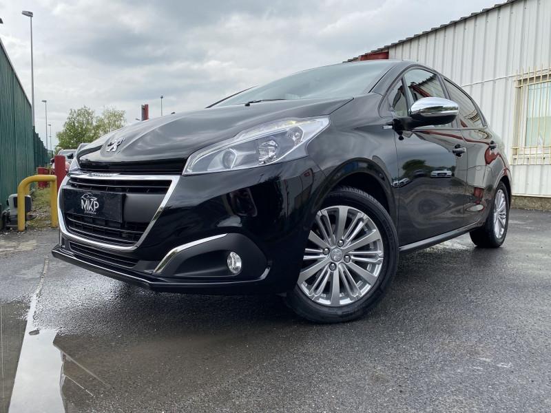 Peugeot 208 1.2 PURETECH 82CH STYLE 5P Essence NOIR PERLA NERA (M) Occasion à vendre