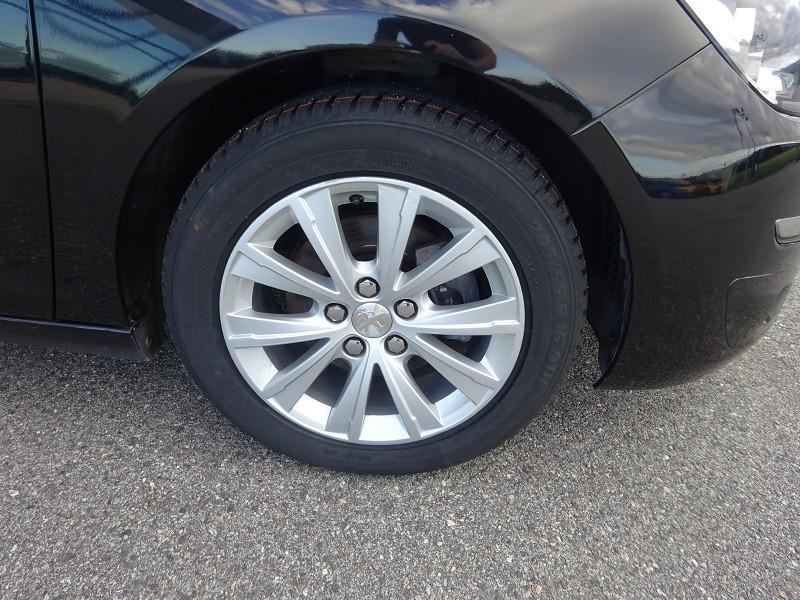 Photo 4 de l'offre de PEUGEOT 308 1.6 BLUEHDI 120CH STYLE S&S 5P à 15490€ chez 26 AUTO