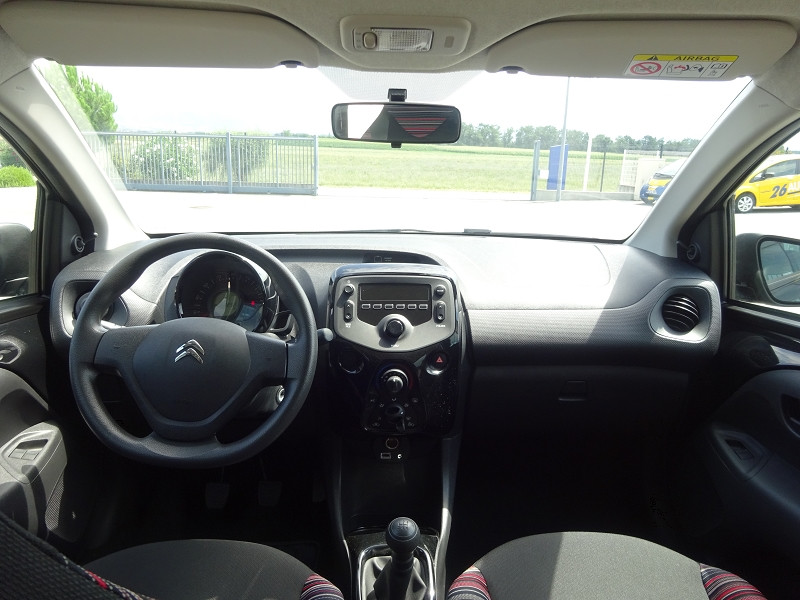 Photo 8 de l'offre de CITROEN C1 VTI 72 FEEL 5P à 9990€ chez 26 AUTO