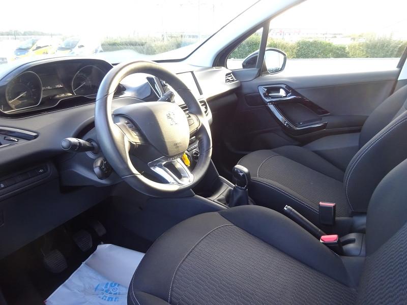 Photo 5 de l'offre de PEUGEOT 208 1.2 PURETECH 82CH ACTIVE 5P à 10990€ chez 26 AUTO