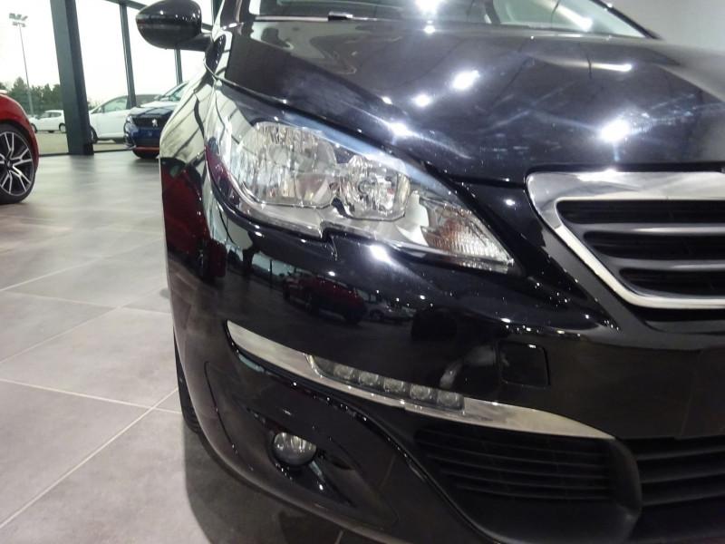 Photo 24 de l'offre de PEUGEOT 308 1.6 BLUEHDI 120CH STYLE S&S 5P à 15490€ chez 26 AUTO