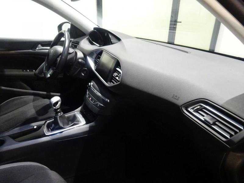 Photo 40 de l'offre de PEUGEOT 308 1.6 BLUEHDI 120CH STYLE S&S 5P à 15490€ chez 26 AUTO